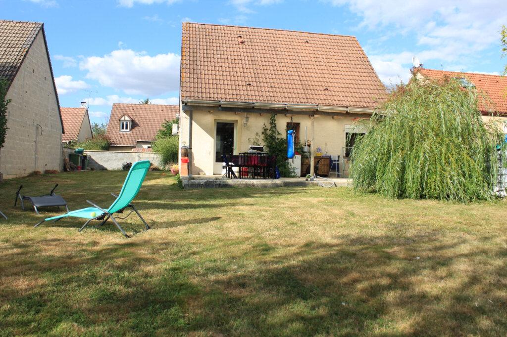 Maison à vendre 4 85m2 à Jouy-le-Châtel vignette-1