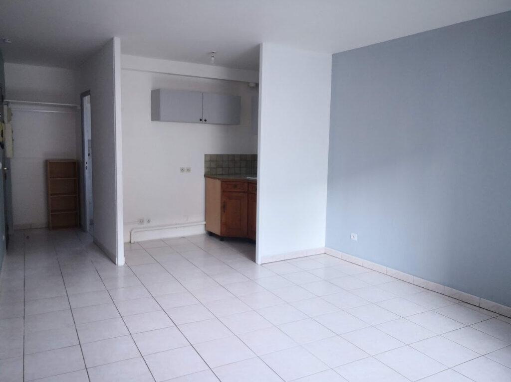 Appartement à louer 1 26.29m2 à Jouy-le-Châtel vignette-1