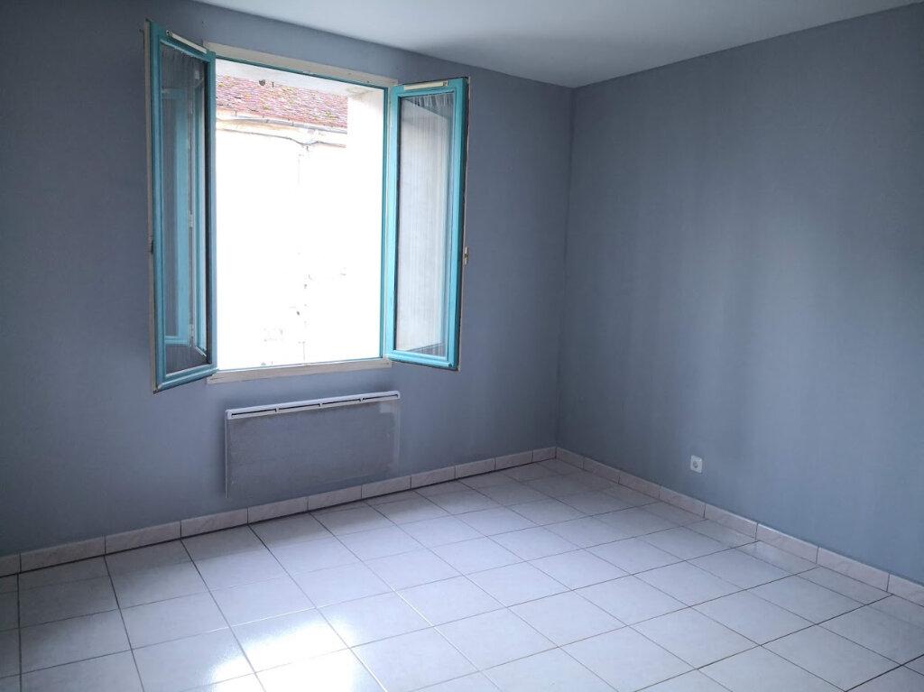 Appartement à louer 1 26.29m2 à Jouy-le-Châtel vignette-4
