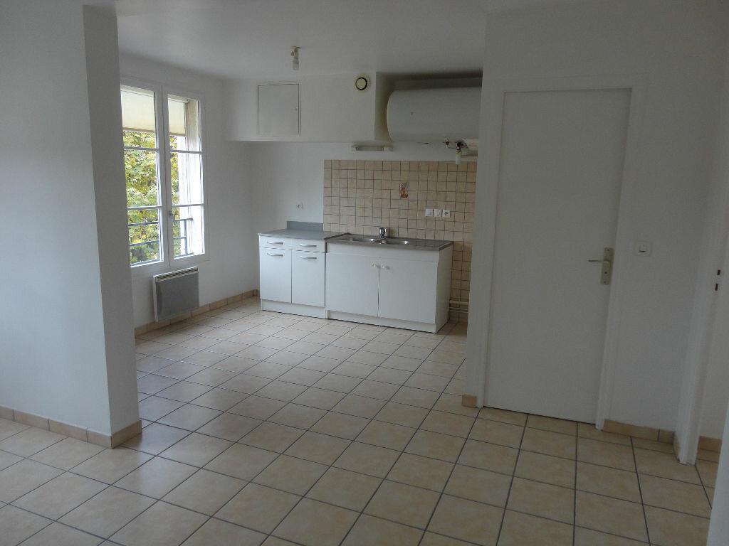 Appartement à louer 2 36m2 à Rozay-en-Brie vignette-1