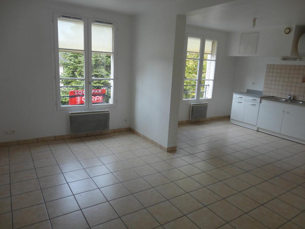 Appartement à louer 2 36m2 à Rozay-en-Brie vignette-2