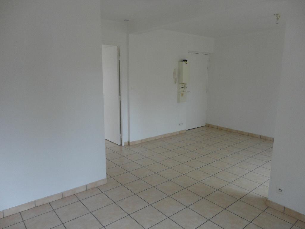 Appartement à louer 2 36m2 à Rozay-en-Brie vignette-9