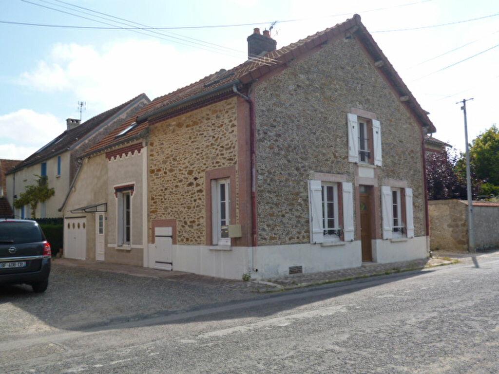 Maison à louer 4 100m2 à Vaudoy-en-Brie vignette-1