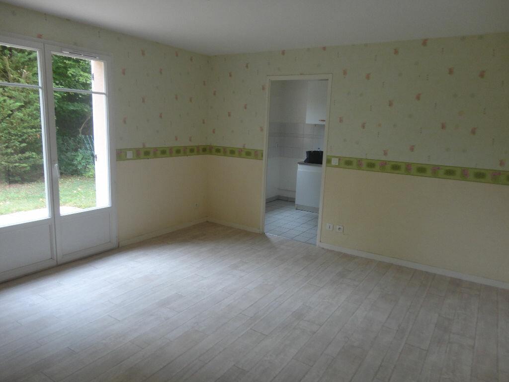 Appartement à louer 2 43m2 à Tournan-en-Brie vignette-2