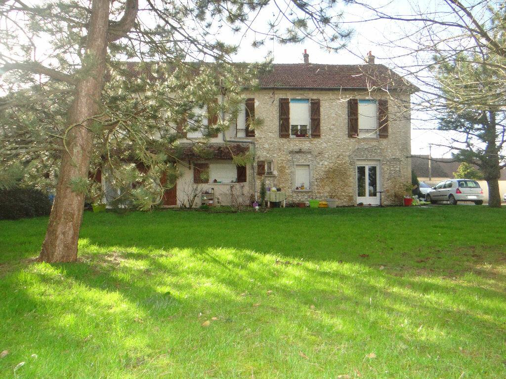 Maison à vendre 8 220m2 à Jouy-le-Châtel vignette-1