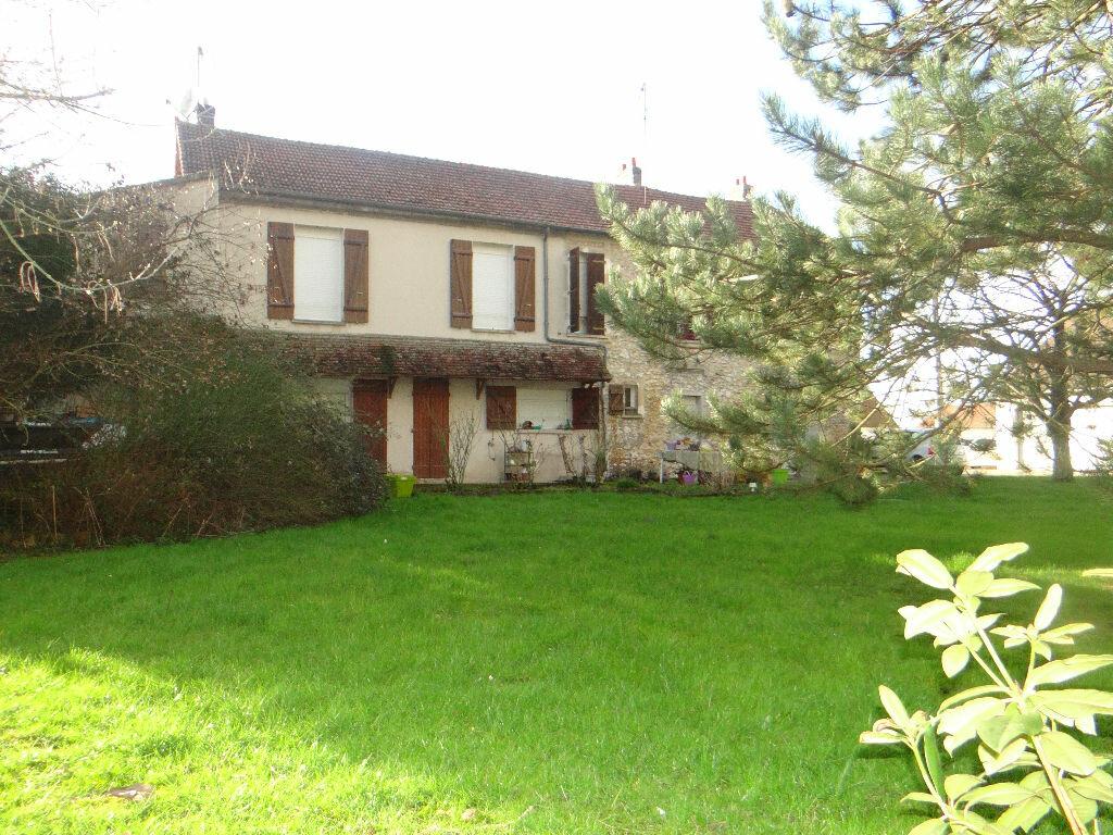 Maison à vendre 8 220m2 à Jouy-le-Châtel vignette-2