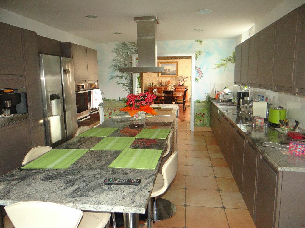 Maison à vendre 8 220m2 à Jouy-le-Châtel vignette-3