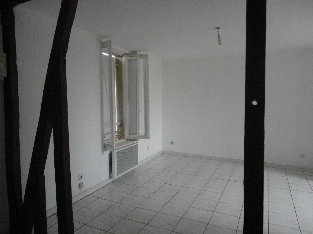 Appartement à louer 3 49m2 à Jouy-le-Châtel vignette-1