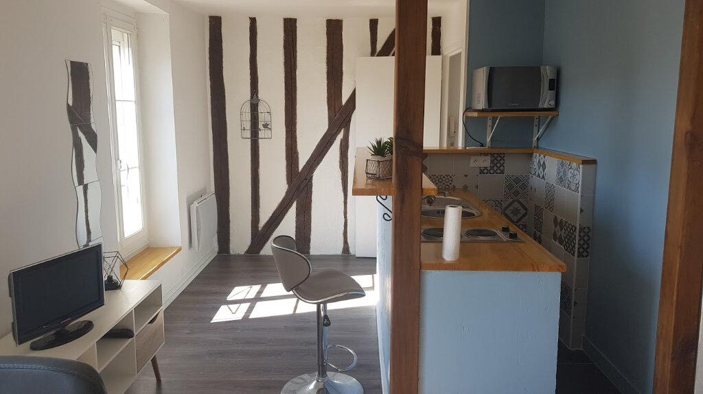 Appartement à louer 1 25m2 à Rozay-en-Brie vignette-1