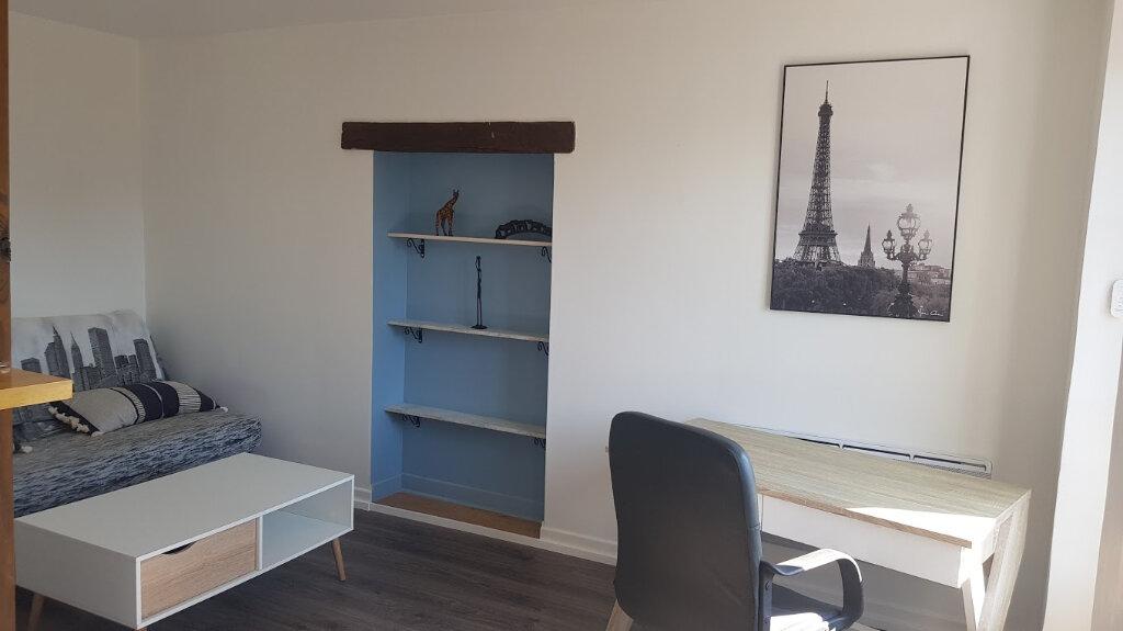 Appartement à louer 1 25m2 à Rozay-en-Brie vignette-2