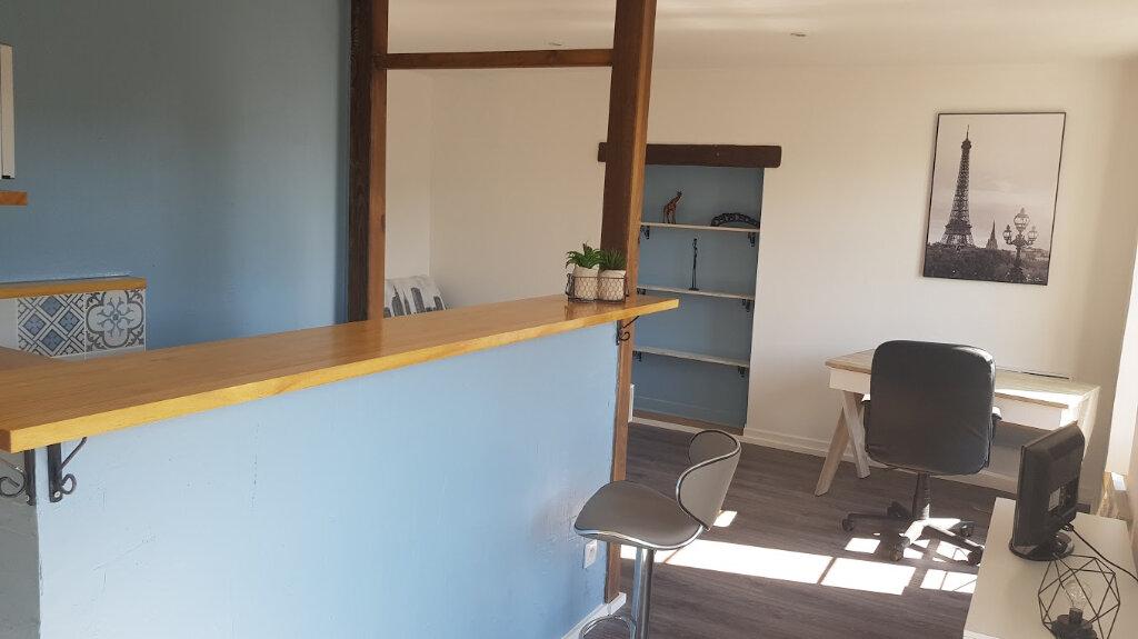 Appartement à louer 1 25m2 à Rozay-en-Brie vignette-9
