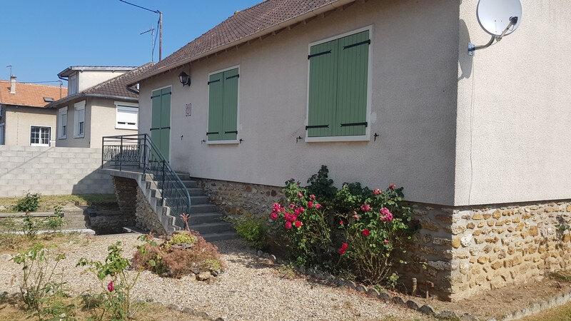 Maison à louer 4 110m2 à Rozay-en-Brie vignette-1