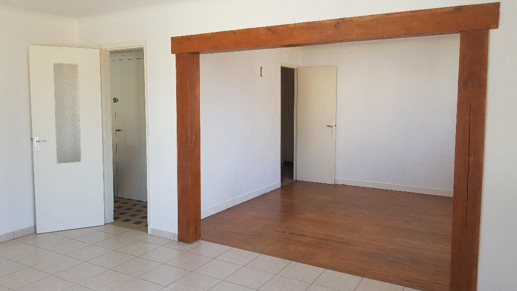 Maison à louer 4 110m2 à Rozay-en-Brie vignette-3
