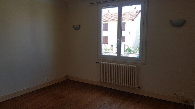Maison à louer 4 110m2 à Rozay-en-Brie vignette-5