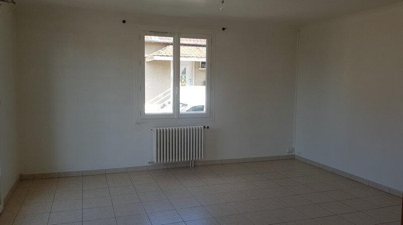 Maison à louer 4 110m2 à Rozay-en-Brie vignette-13