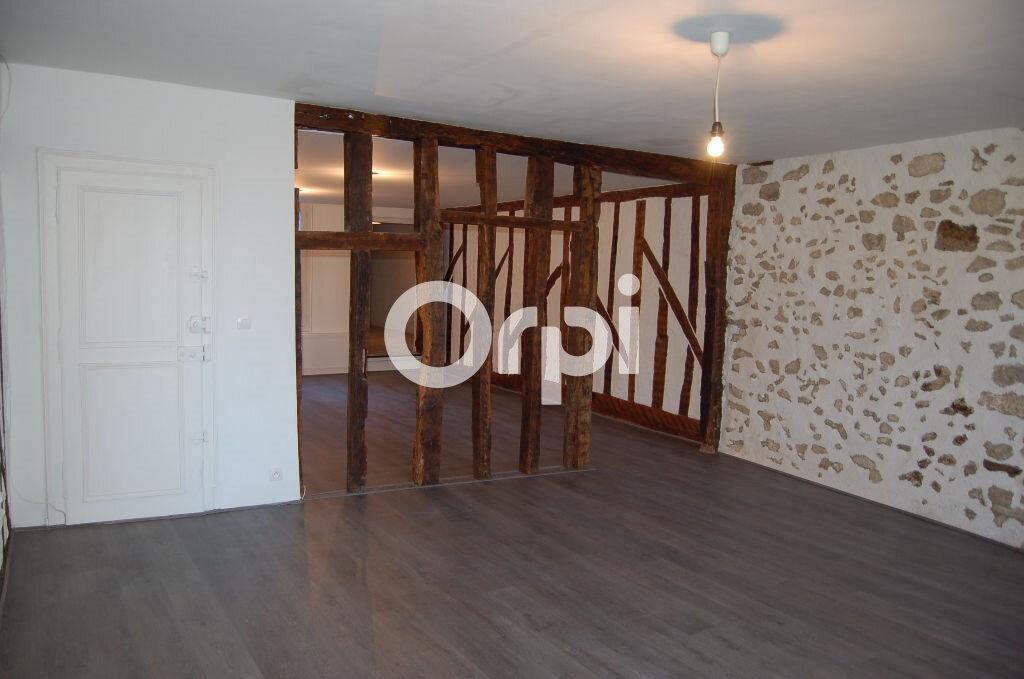 Appartement à vendre 4 124m2 à Provins vignette-1
