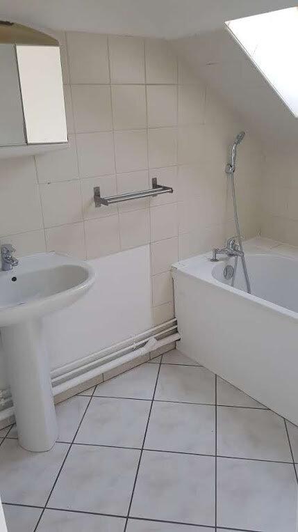 Appartement à louer 1 23m2 à Rozay-en-Brie vignette-4