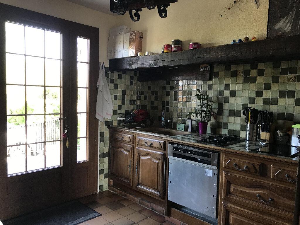 Maison à louer 7 140m2 à Villeneuve-les-Bordes vignette-4