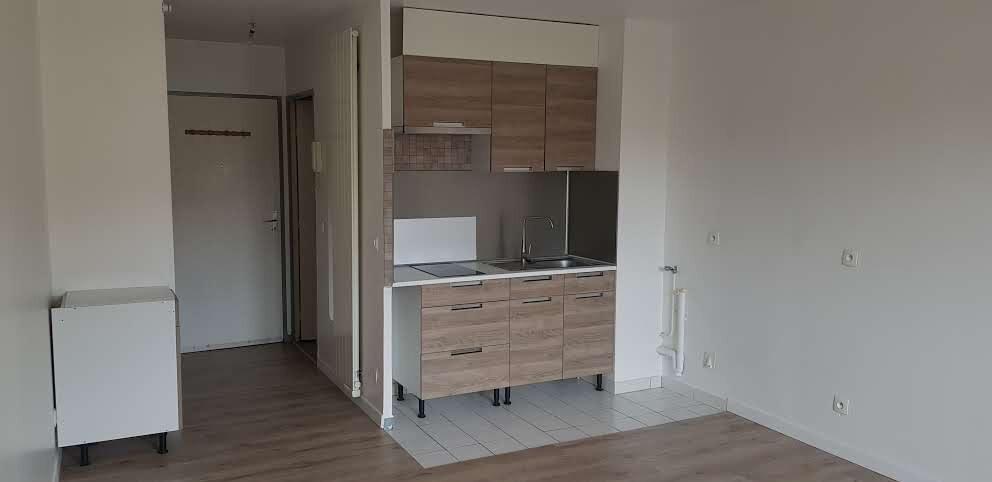 Appartement à louer 1 25m2 à Chaumes-en-Brie vignette-2