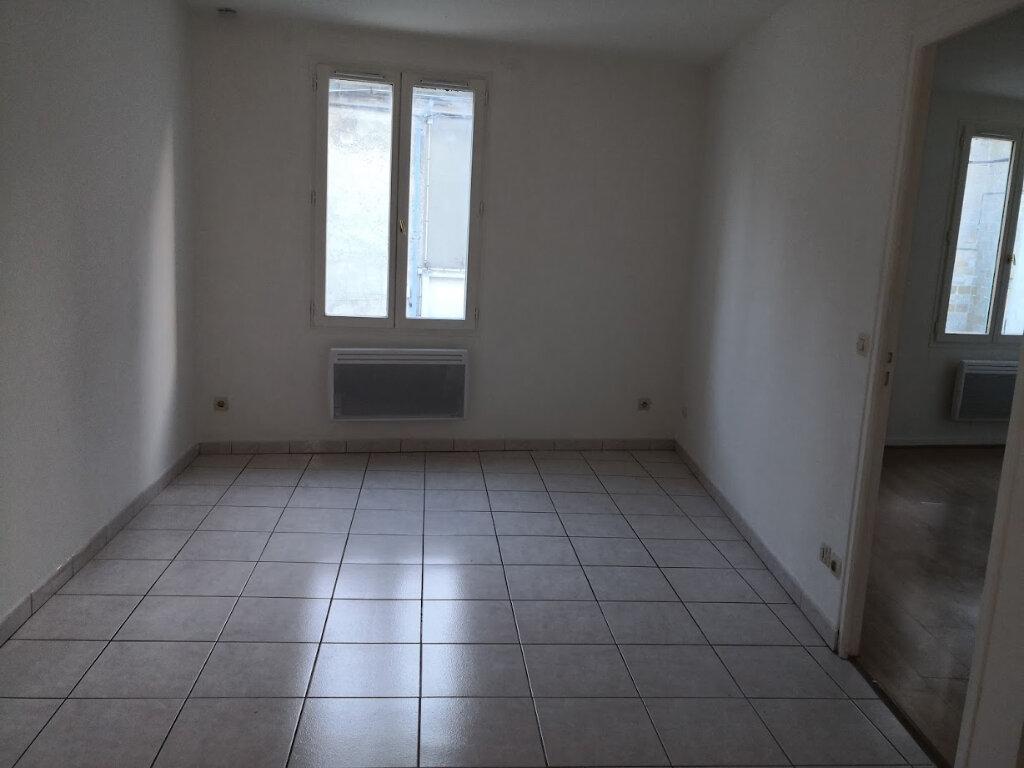 Appartement à louer 2 32.31m2 à Jouy-le-Châtel vignette-1