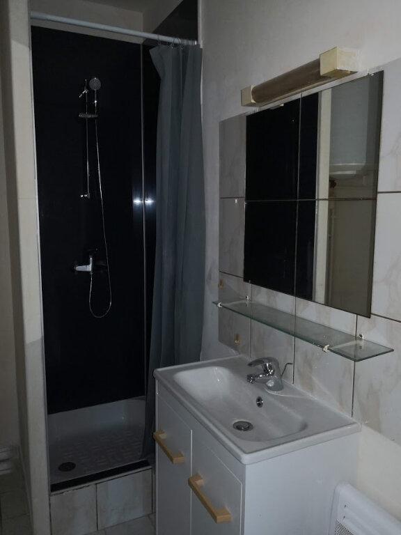 Appartement à louer 2 32.31m2 à Jouy-le-Châtel vignette-4