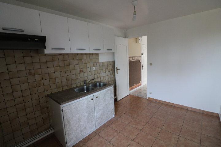 Appartement à louer 2 49.25m2 à Grandpuits-Bailly-Carrois vignette-2