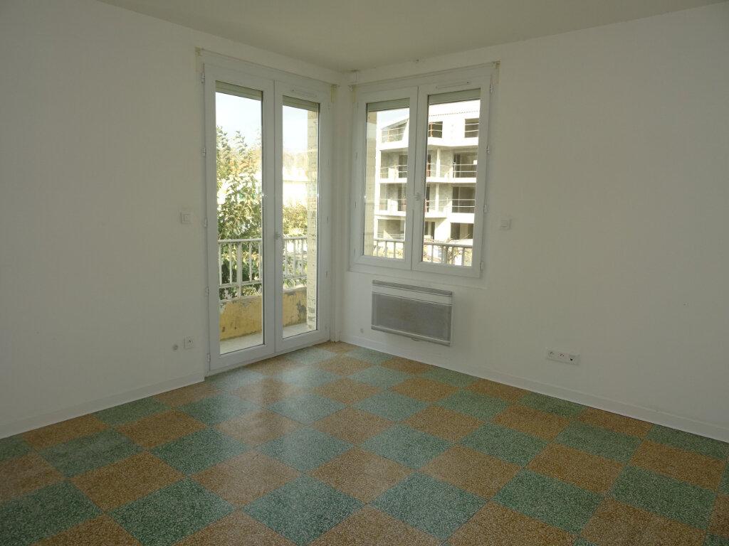 Appartement à louer 2 35m2 à Palavas-les-Flots vignette-2