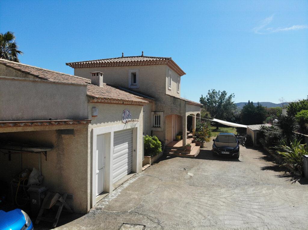 Maison à vendre 8 240m2 à Vic-la-Gardiole vignette-2