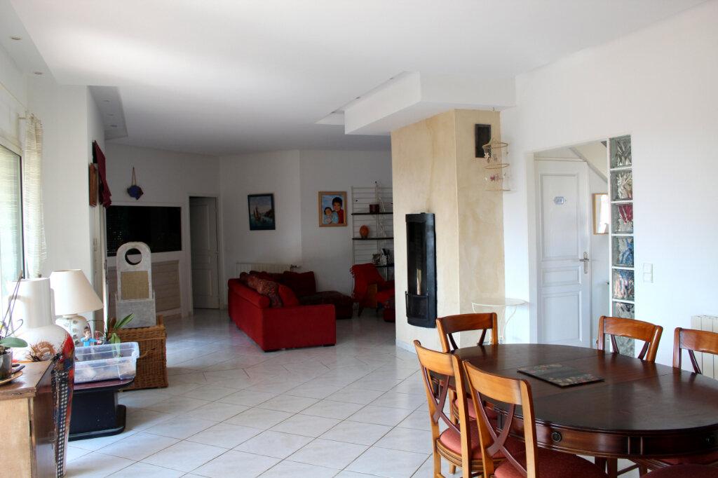 Maison à vendre 8 240m2 à Vic-la-Gardiole vignette-4