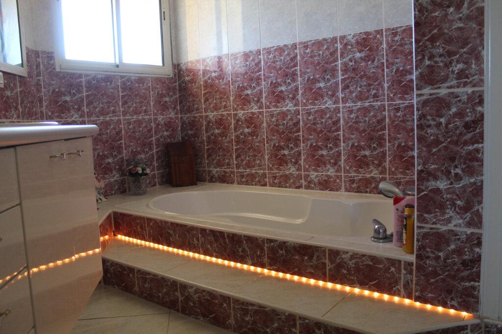 Maison à vendre 8 240m2 à Vic-la-Gardiole vignette-9