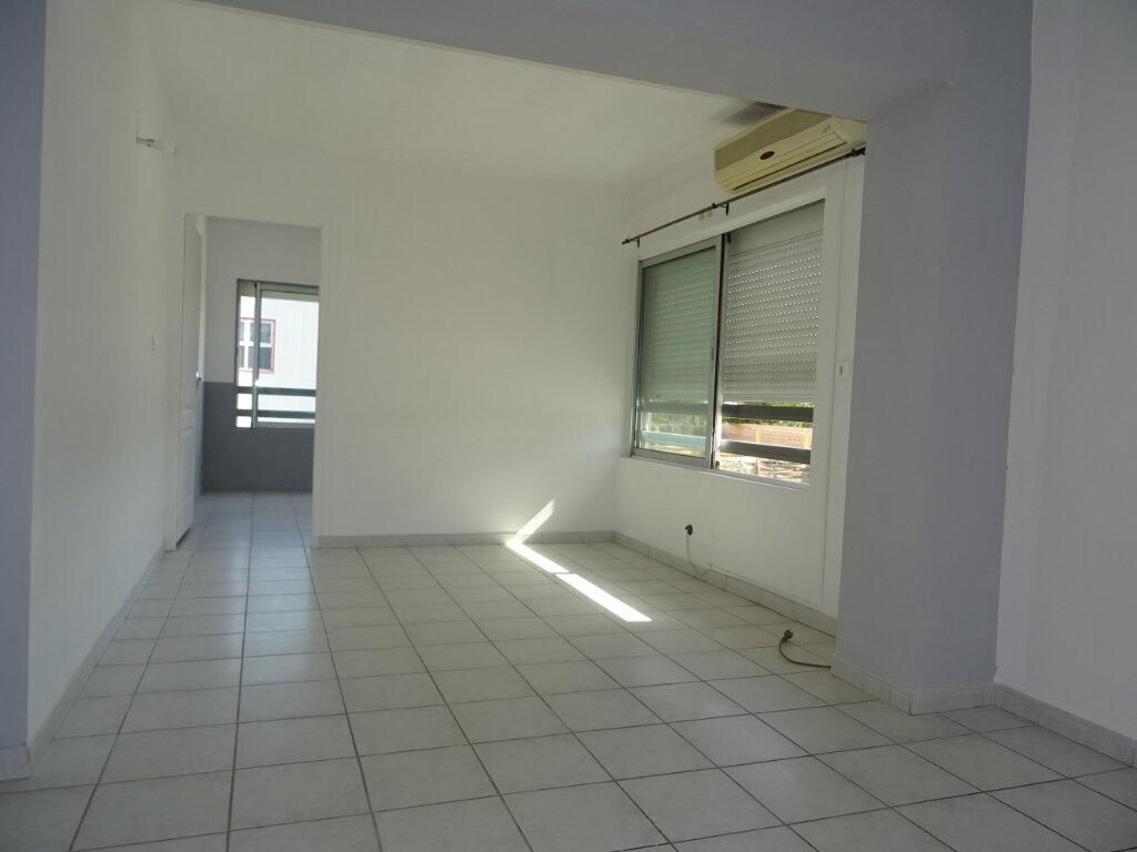 Appartement à louer 3 55m2 à Lattes vignette-3