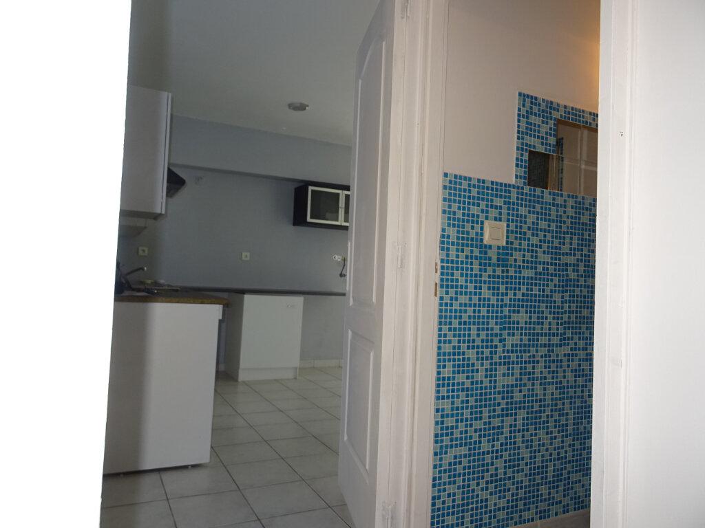 Appartement à louer 3 55m2 à Lattes vignette-5