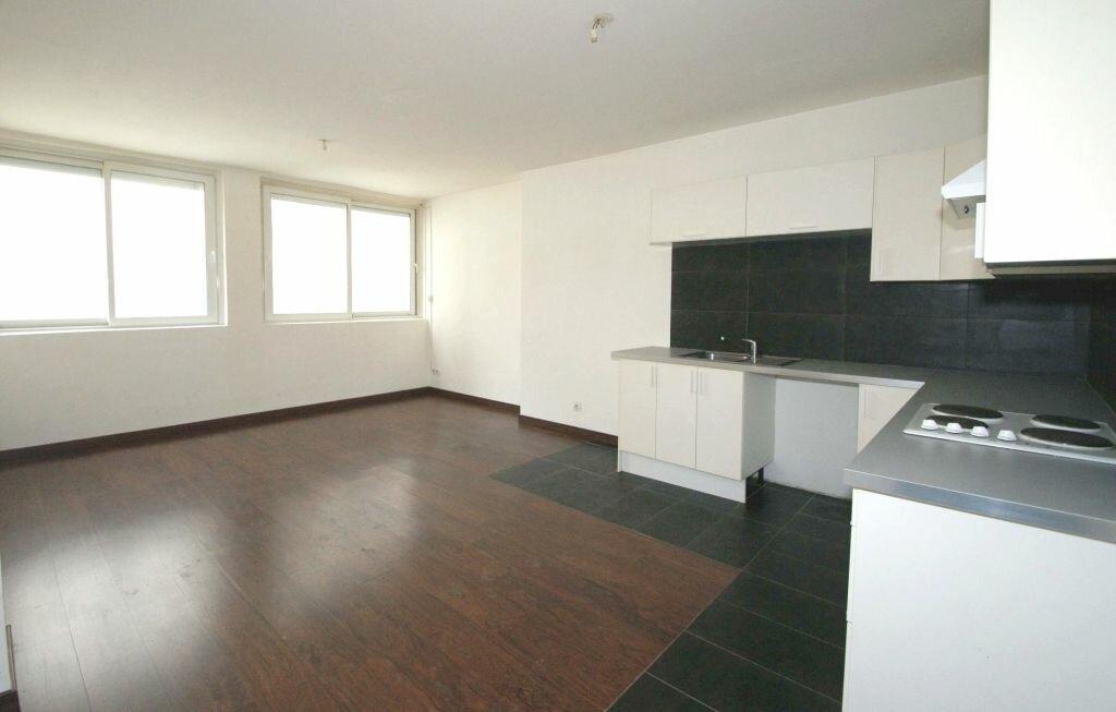 Appartement à louer 2 41m2 à Béziers vignette-1