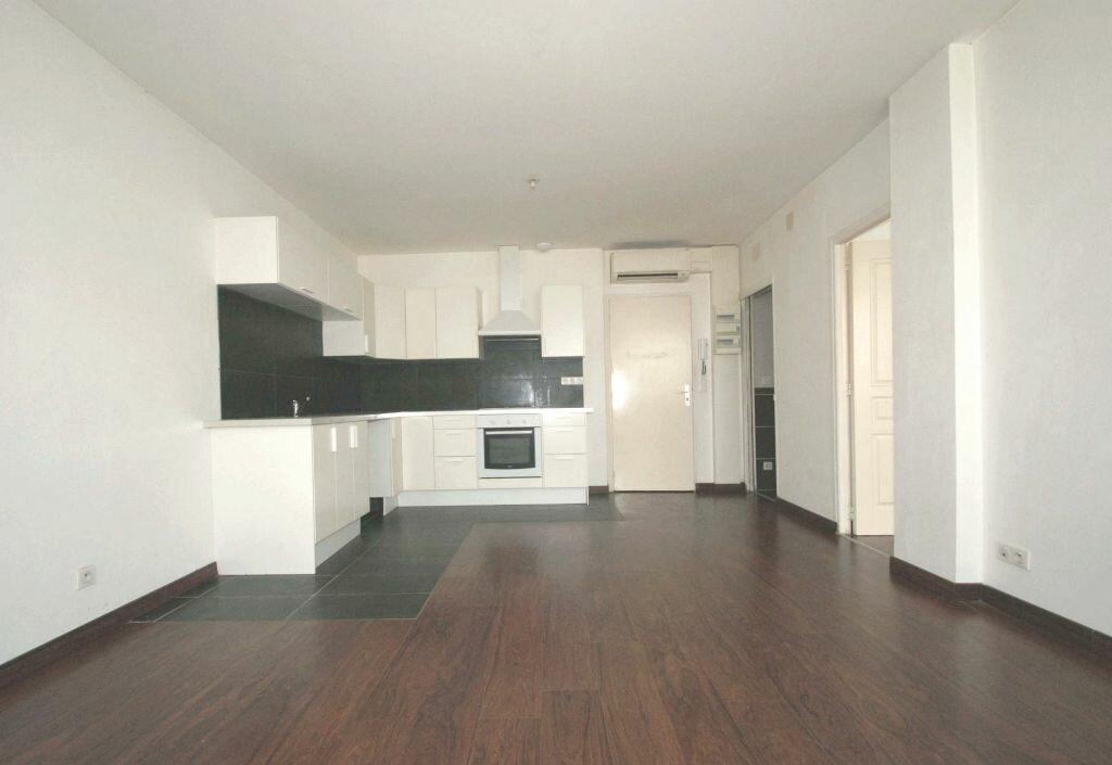 Appartement à louer 2 41m2 à Béziers vignette-2