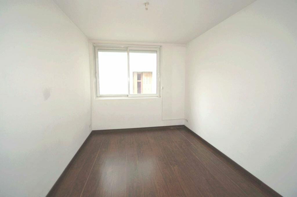 Appartement à louer 2 41m2 à Béziers vignette-5
