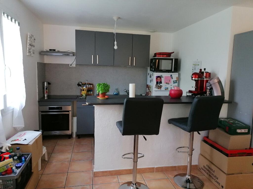 Maison à louer 4 75m2 à Béziers vignette-2