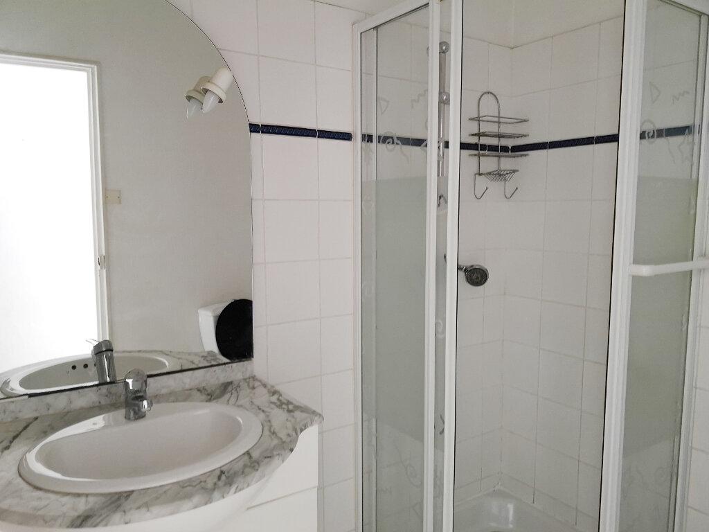 Appartement à louer 2 43.67m2 à Béziers vignette-4