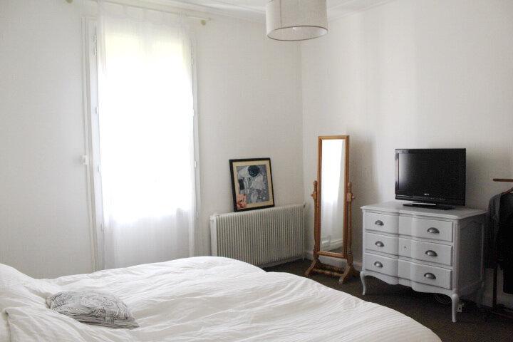 Maison à louer 4 100m2 à Béziers vignette-5