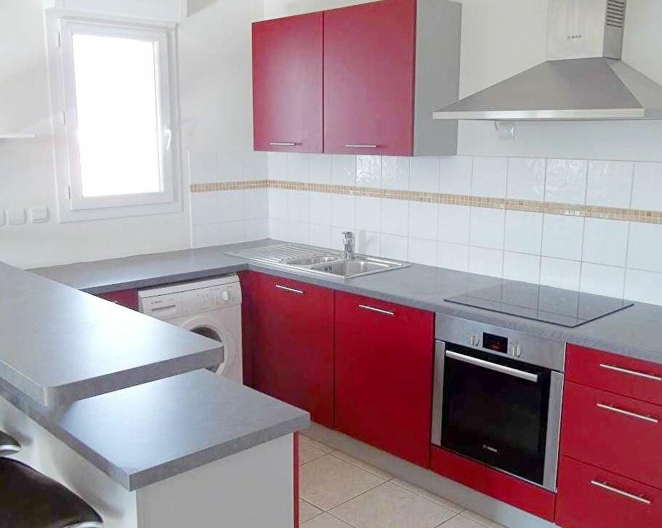 Appartement à louer 3 71m2 à Agde vignette-2