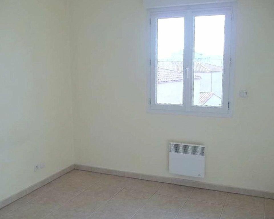 Appartement à louer 3 71m2 à Agde vignette-6