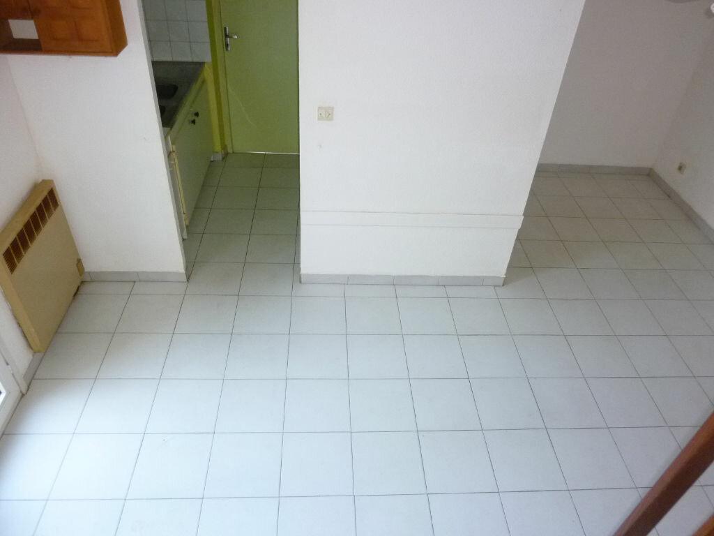 Maison à louer 3 37m2 à Agde vignette-2