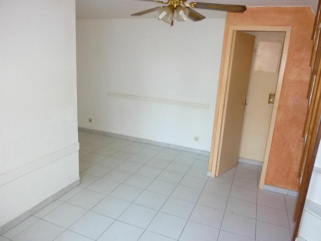 Maison à louer 3 37m2 à Agde vignette-3