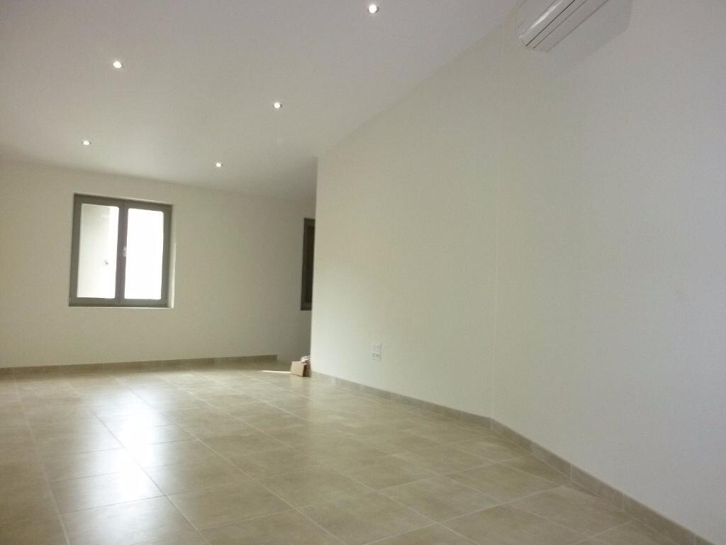 Appartement à louer 3 74m2 à Agde vignette-3