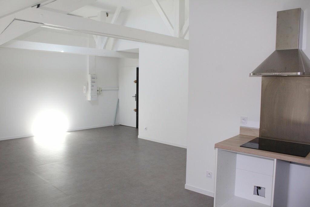 Appartement à louer 3 61.42m2 à Béziers vignette-2
