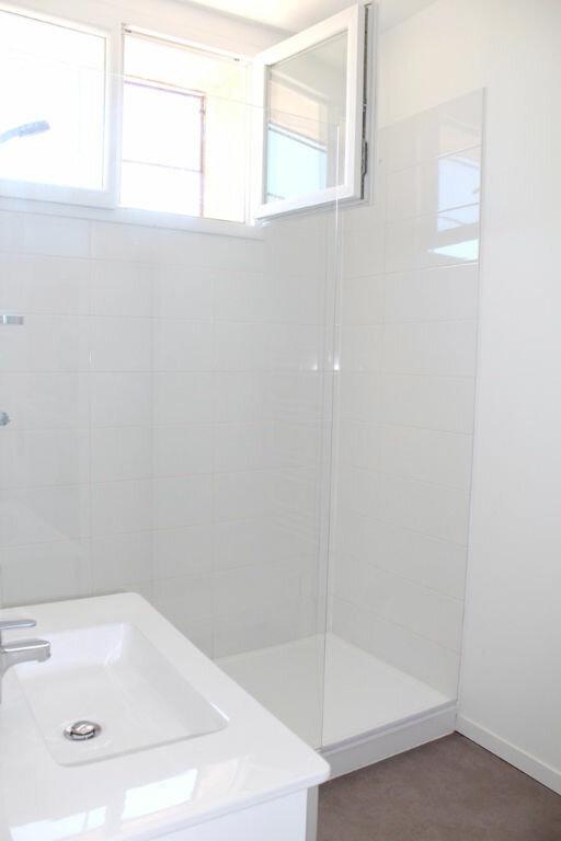 Appartement à louer 3 61.42m2 à Béziers vignette-4