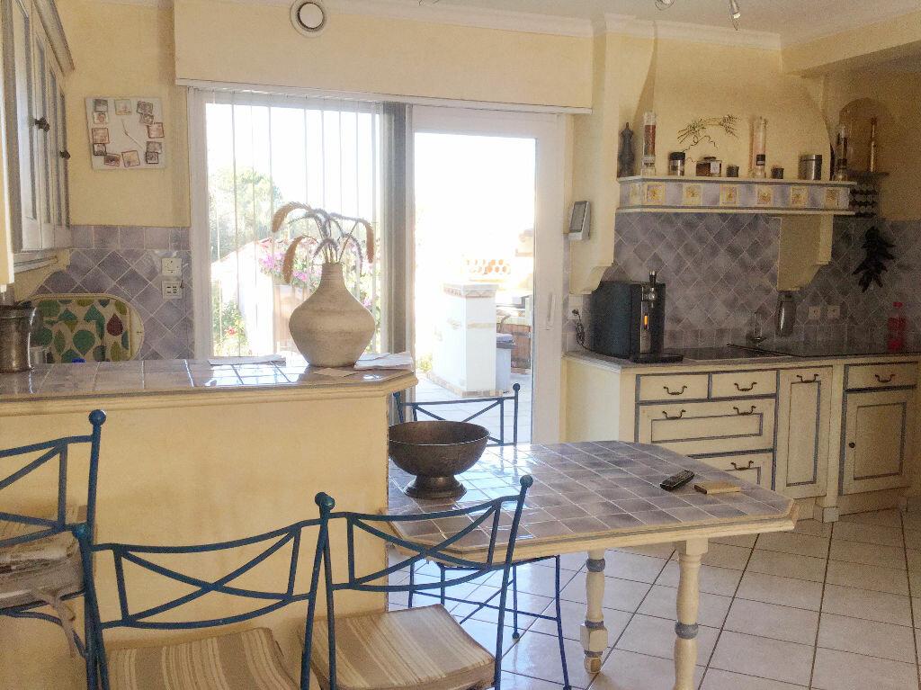 Maison à vendre 4 134m2 à Agde vignette-2