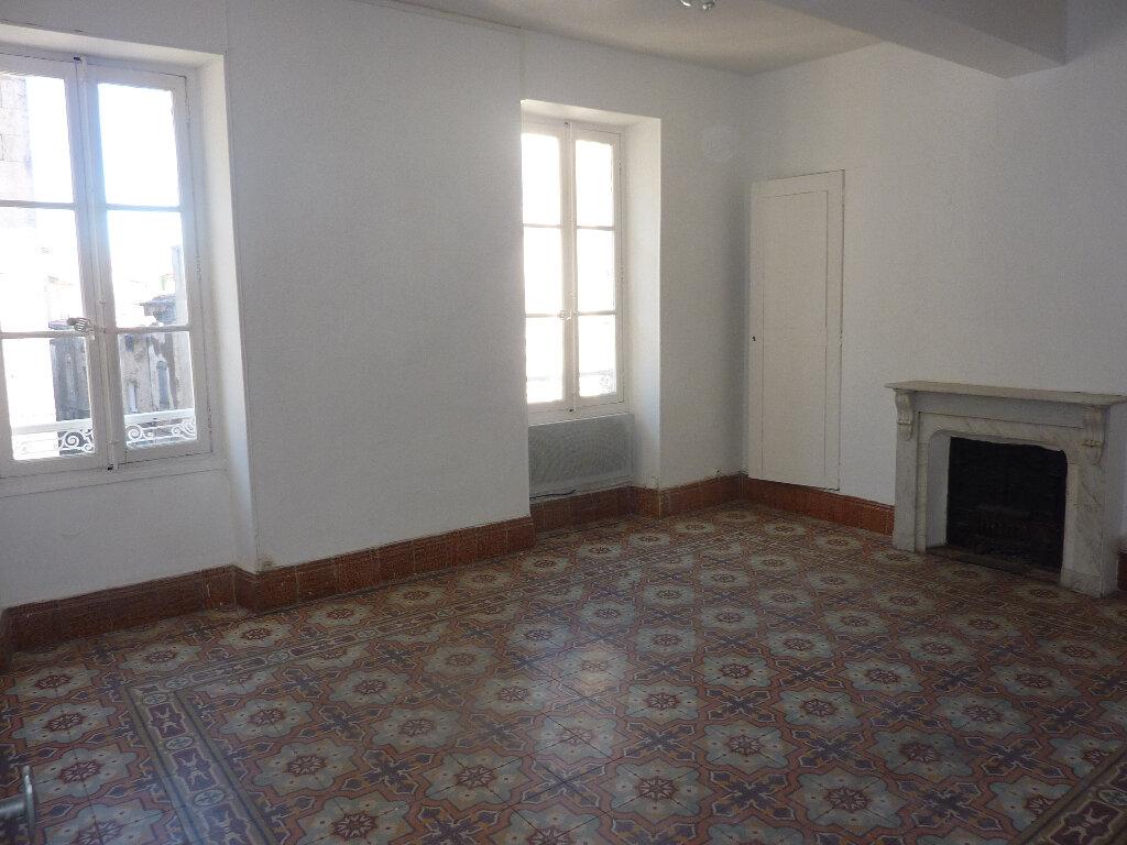Appartement à louer 3 70m2 à Béziers vignette-1