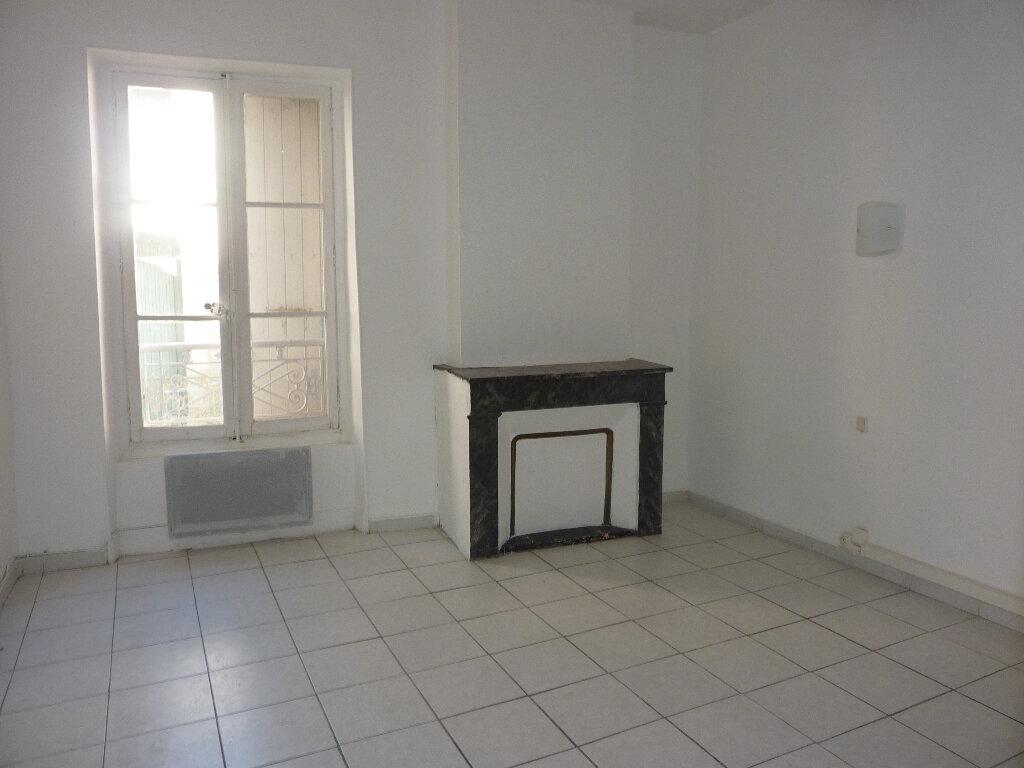Appartement à louer 3 70m2 à Béziers vignette-2