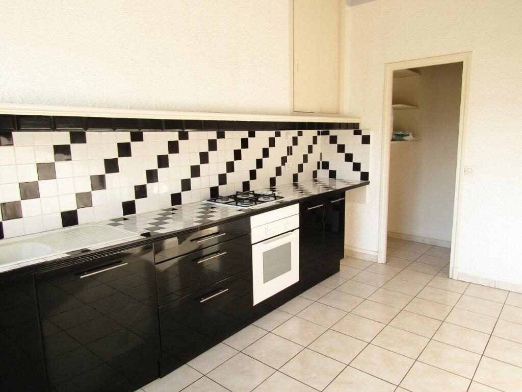 Appartement à louer 3 78m2 à Marseillan vignette-1