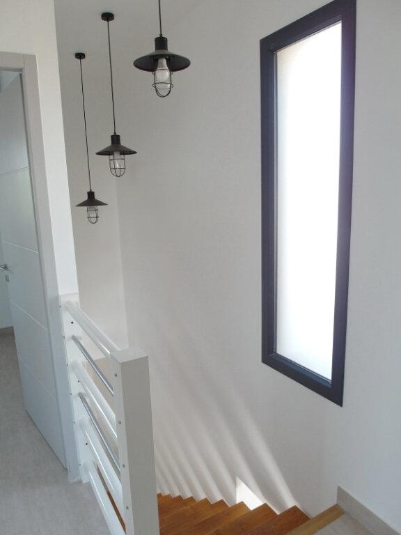 Maison à vendre 4 100m2 à Marseillan vignette-11